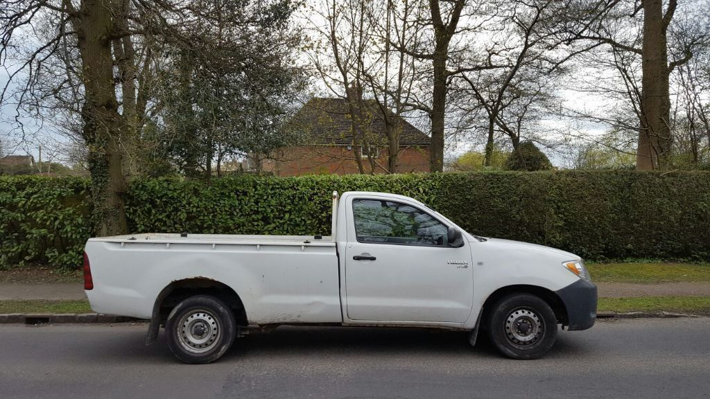 TOYOTA HILUX HL2 2.5 D4D KING CAB (2006/06 REG) - NO VAT - 1 OWNER - FACTORY WHITE -