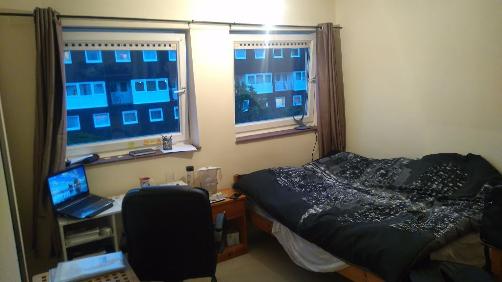 Big Double Bedroom close Putney and Richmond