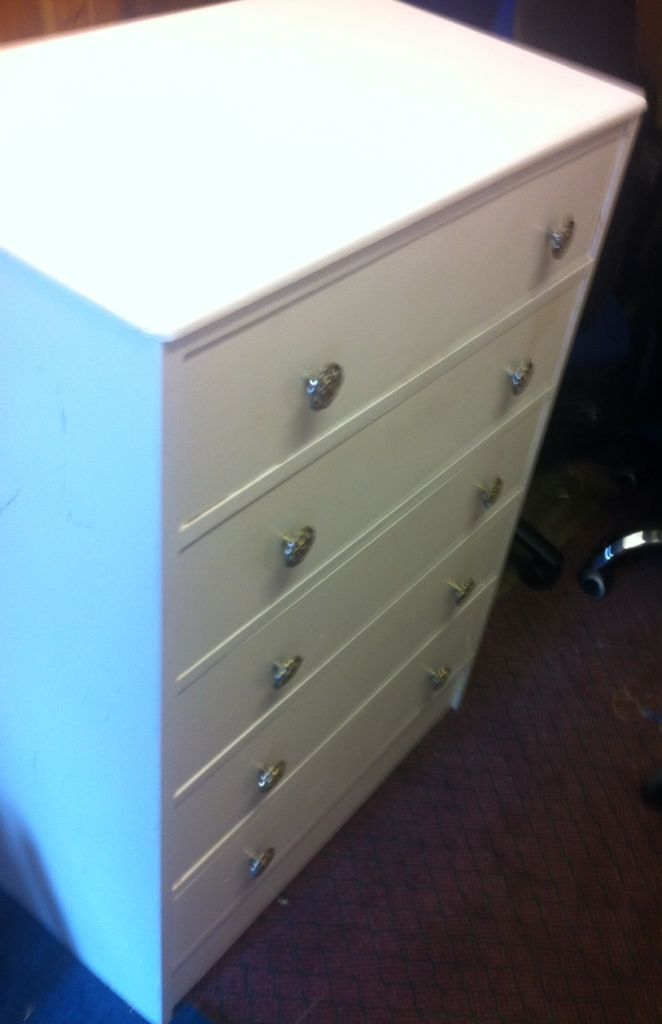 chest of drawer in real wood white