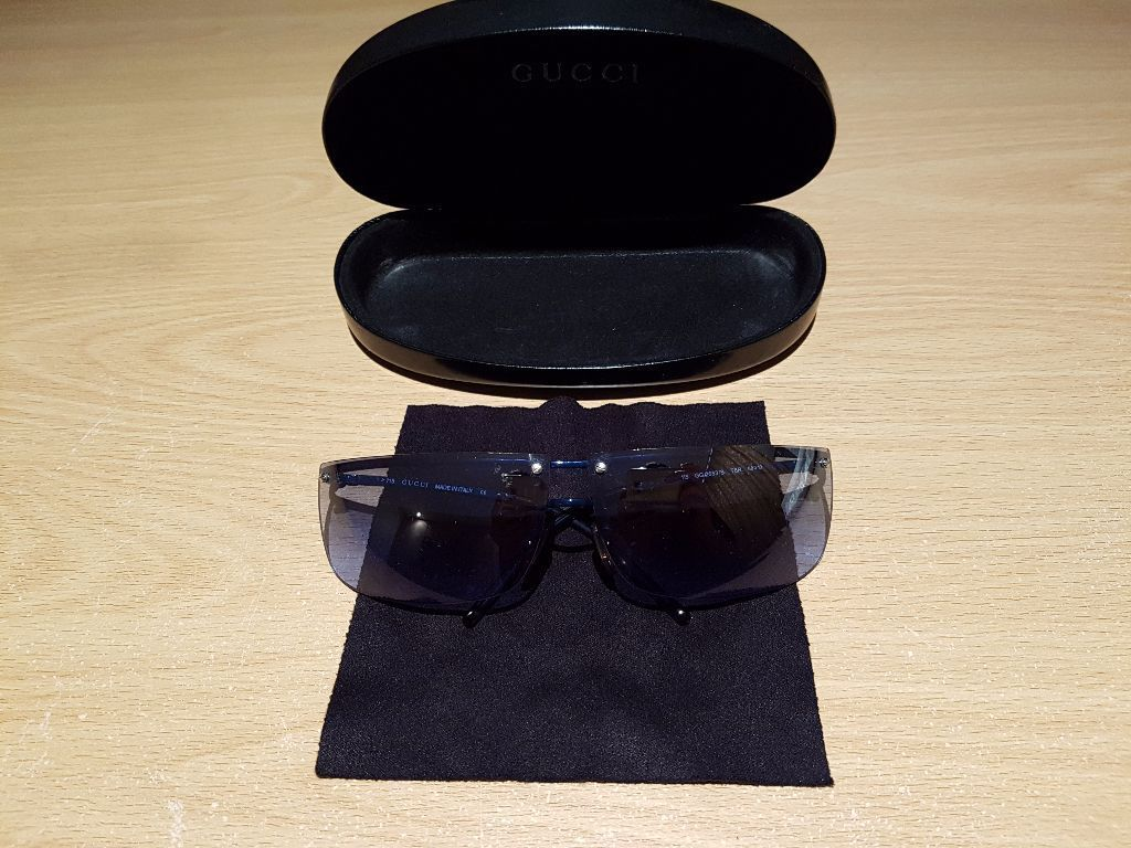 GUCCI SUNGLASSES WITH CASE AND CLEANING CLOTH - BLUE LENSES