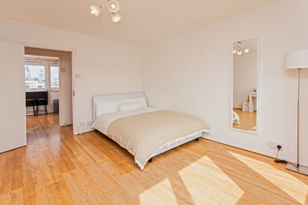Large double room with private balcony! Reserve now so you don't miss out!