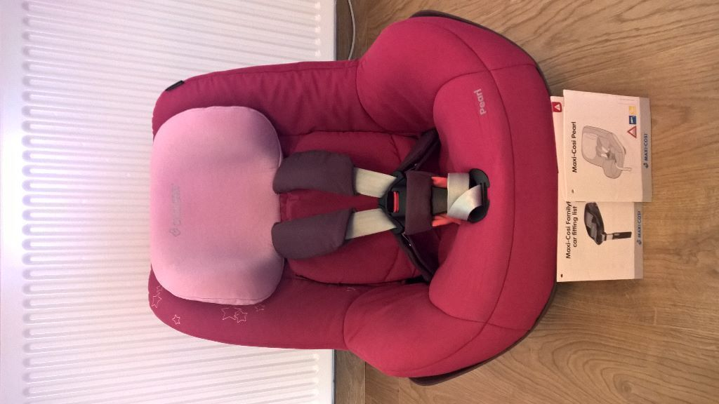 Used ISOFIX Maxi-Cosi Pearl Car Seat in very good condition