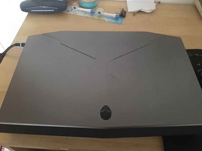 Quick Sell Alienware 17.3 inch really good condition