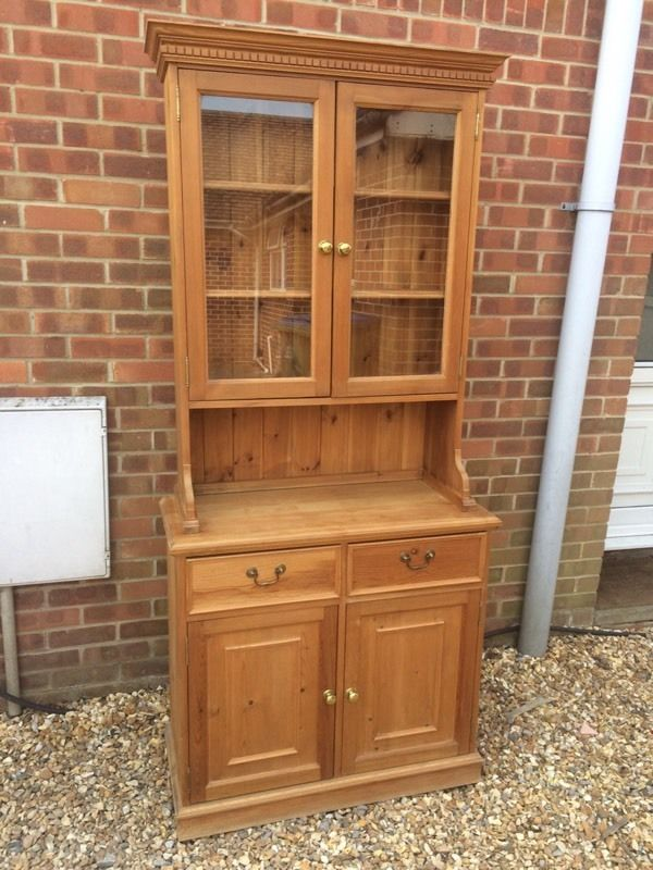Solid chunky pine Welsh dresser. Display cabinet.