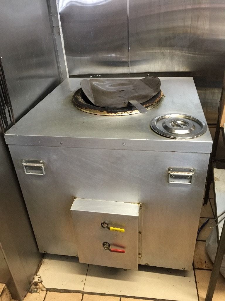 A fully working tandoori naan bread (oven)maker for indian restaurant to sell at cheaper price