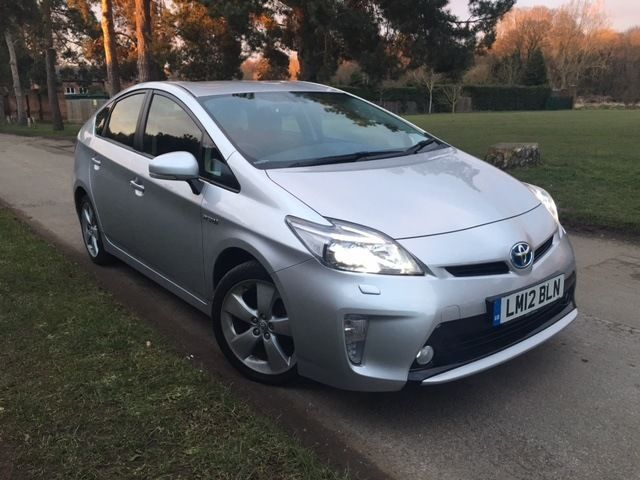 TOYOTA PRIUS T-SPIRIT 2012 SILVER FULLY LOADED HPI CLEAR FULL TOYOTA HISTORY New Facelift BARGAIN UK