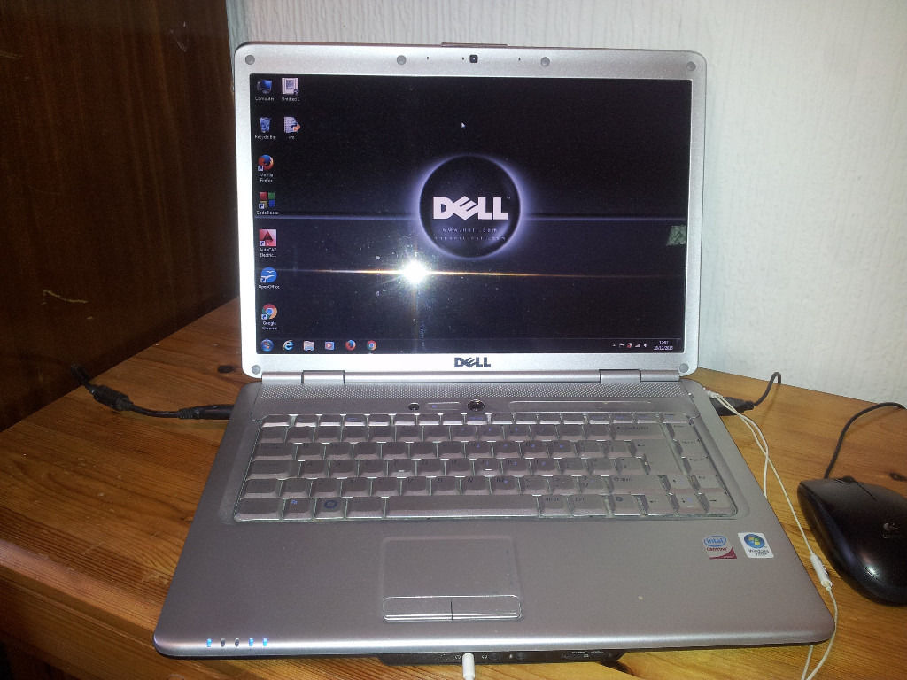 "DELL Inspiron 1525 Laptop 15"" for Sale! - Used Like New"