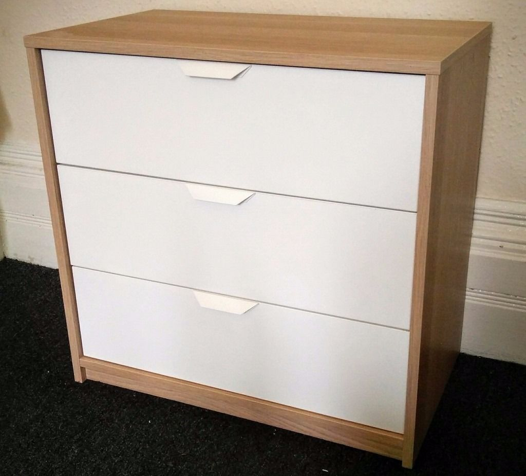 Chest of drawers - sturdy, clean 3 drawer chest in white and beech