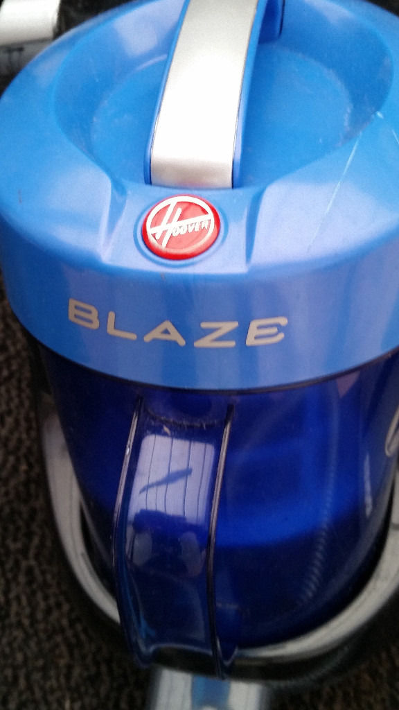 HOOVER BLAZE VACUUM CLEANER USED IN VGC