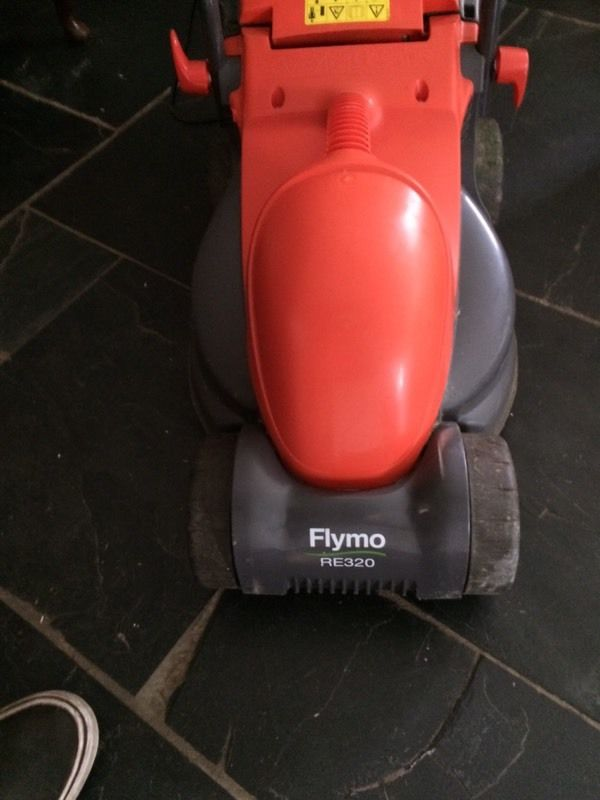 Flymo lawnmower RE320