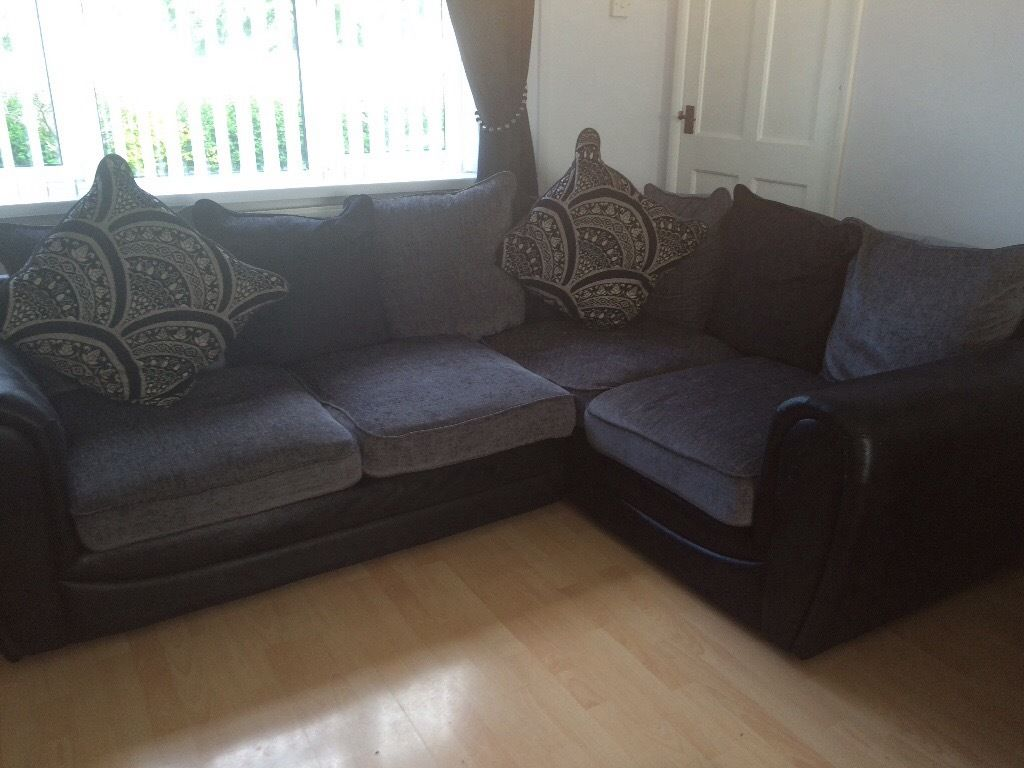 Right hand double arm corner sofa, 2 seater sofa and footstool!