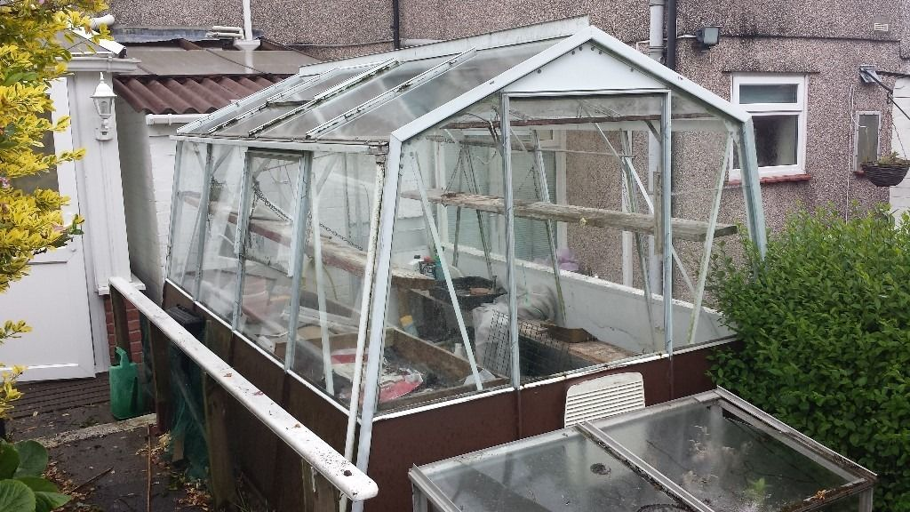 FREE TO COLLECTOR GREENHOUSE ,SOME POTS ETC.....