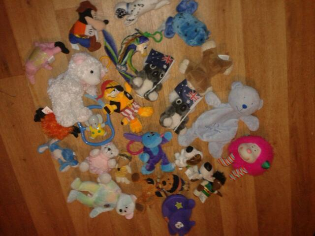 Selection of baby & small toys-job lot