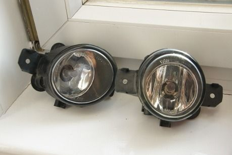 Renault Clio II Mk2 2001-2005 Front Fog Lights Lamps 1 Pair INCLUDES OSRAM BULBS