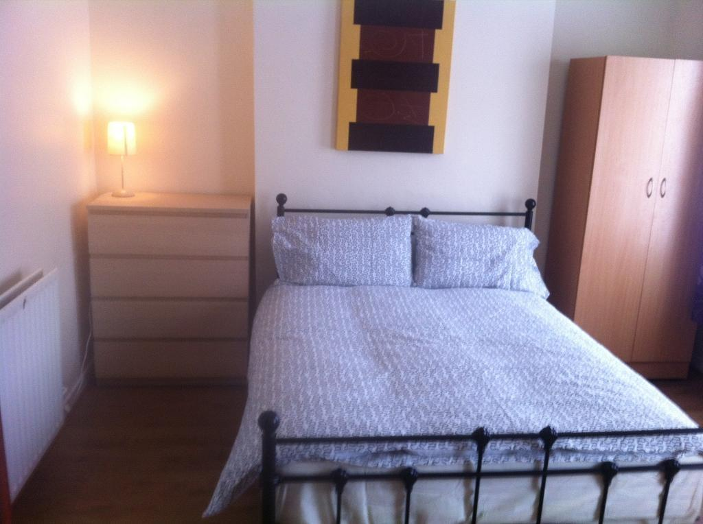 SPACIOUS DOUBLE ROOMS TO LET MAGDALA STREET QUEENS AREA