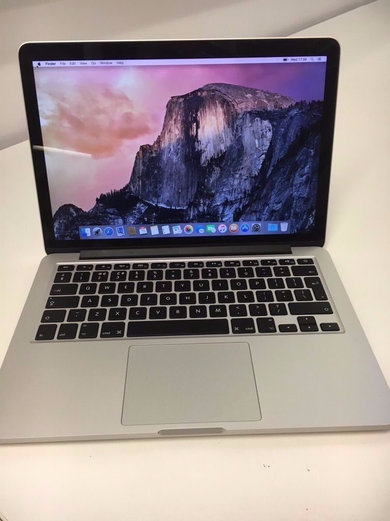 """MacBook Pro Retina 11.1 (Late 2013), 13.3""""/2.4GHZ/4GB/128GB FLASH Perfect Condition, One Owner."""