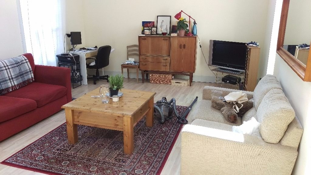 Small double room in beautifully converted coach house in Montpelier