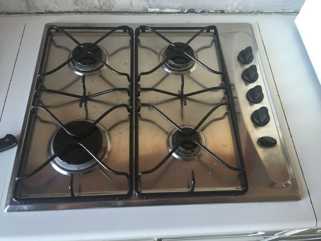 Used gas hob; need to sell as I am having a kitchen refit