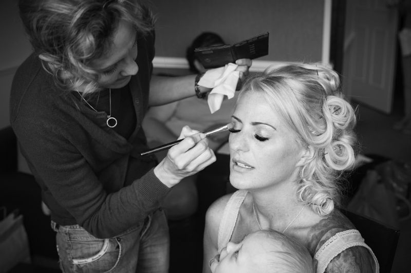 PROF HOLLYWOOD TRAINED HAIR & MAKE UP ARTIST FOR WEDDINGS/PROM/PHOTO SHOOTS/LADIES DAY