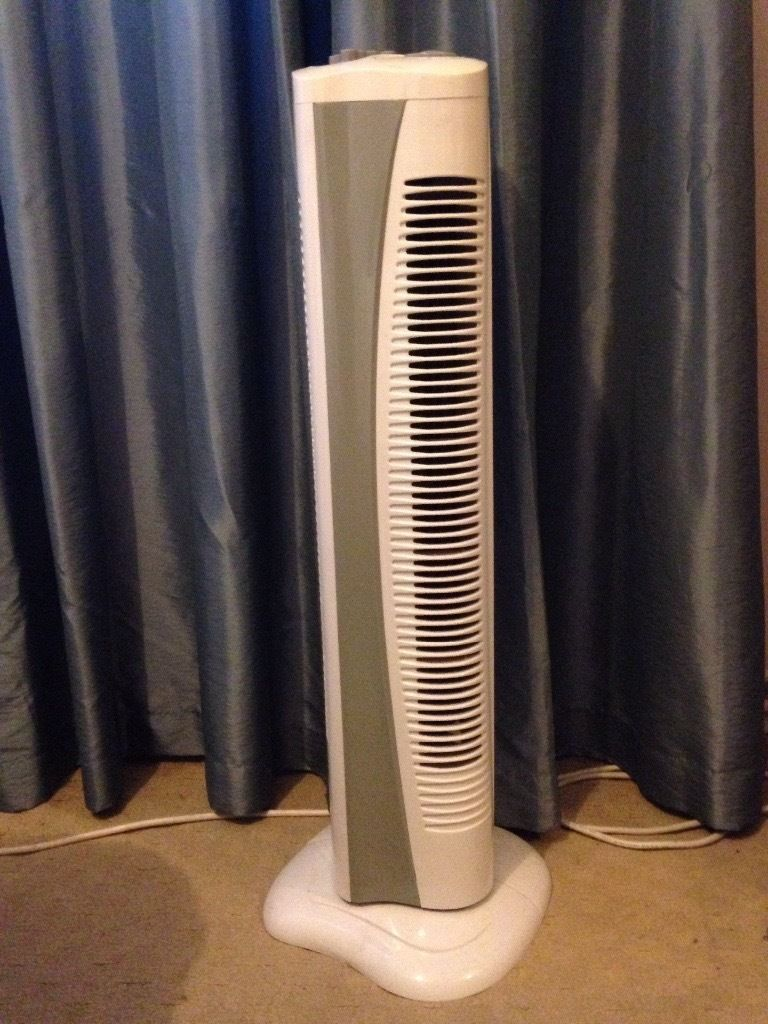 Used long cooling fan with swivel and fan speed settings for sale!