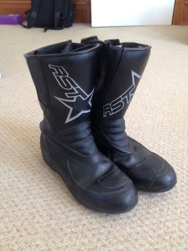 Motorcycle boots size 9 RST