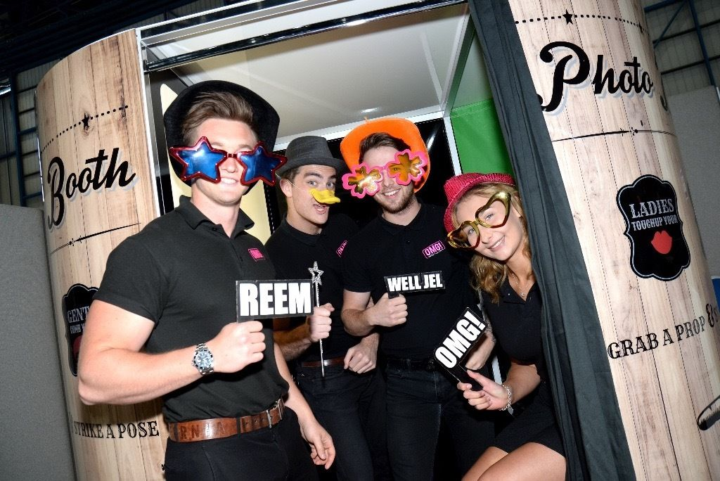 Part time Evening and Weekend Photo Booth Attendant