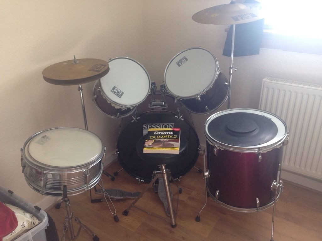 Drum Kit for sale: full size drum kit, drum sticks and beginers guide book.