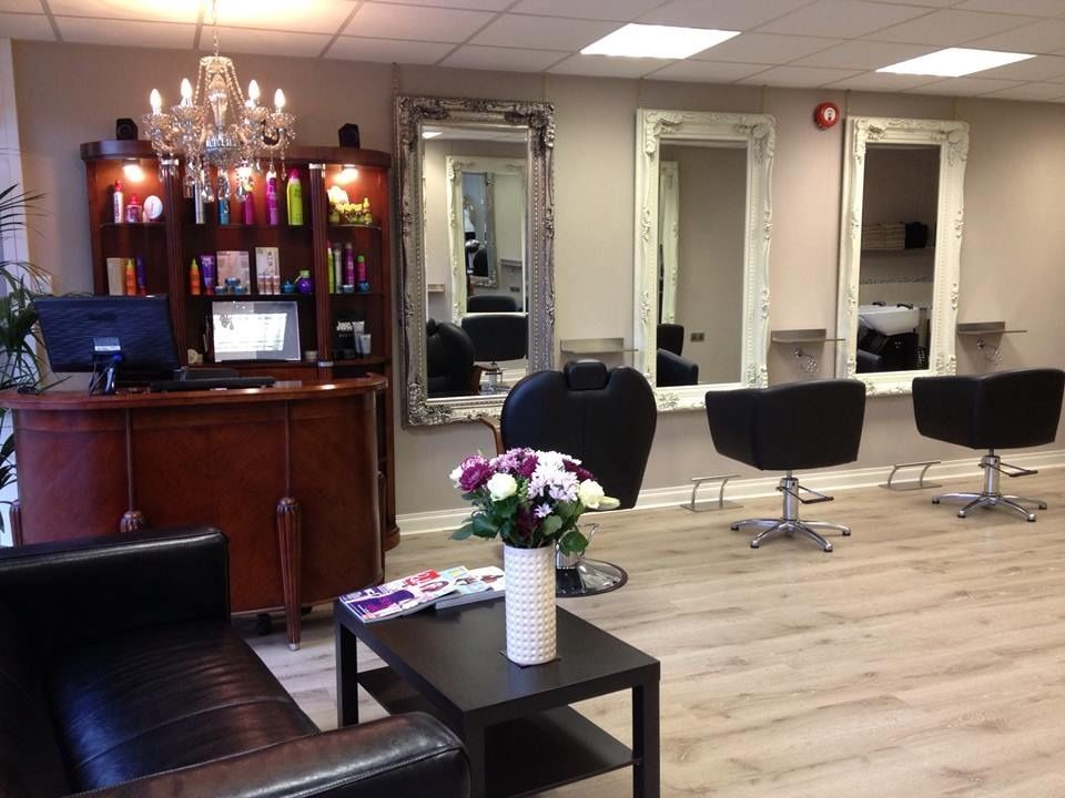 Hairdressing: Stylist ,Junior stylist and ApprenticeJobs