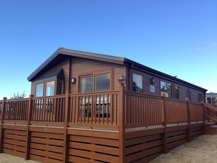 STATIC CARAVAN LODGE-LUXURY LODGE SITED ON 5* NORTH WALES PARK/SNOWDONIA/ANGLESEY-PARK OPEN 12 MONTH