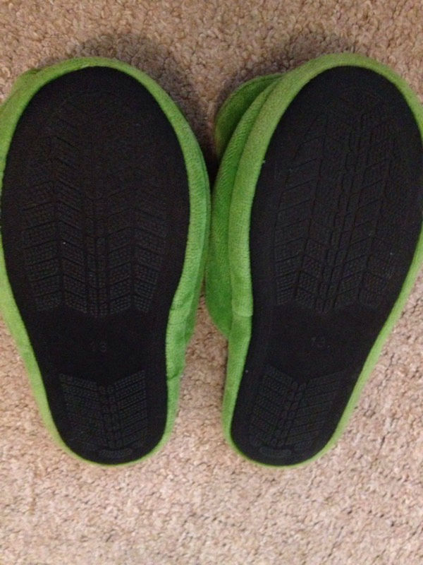 Boys turtles slippers like new size 13