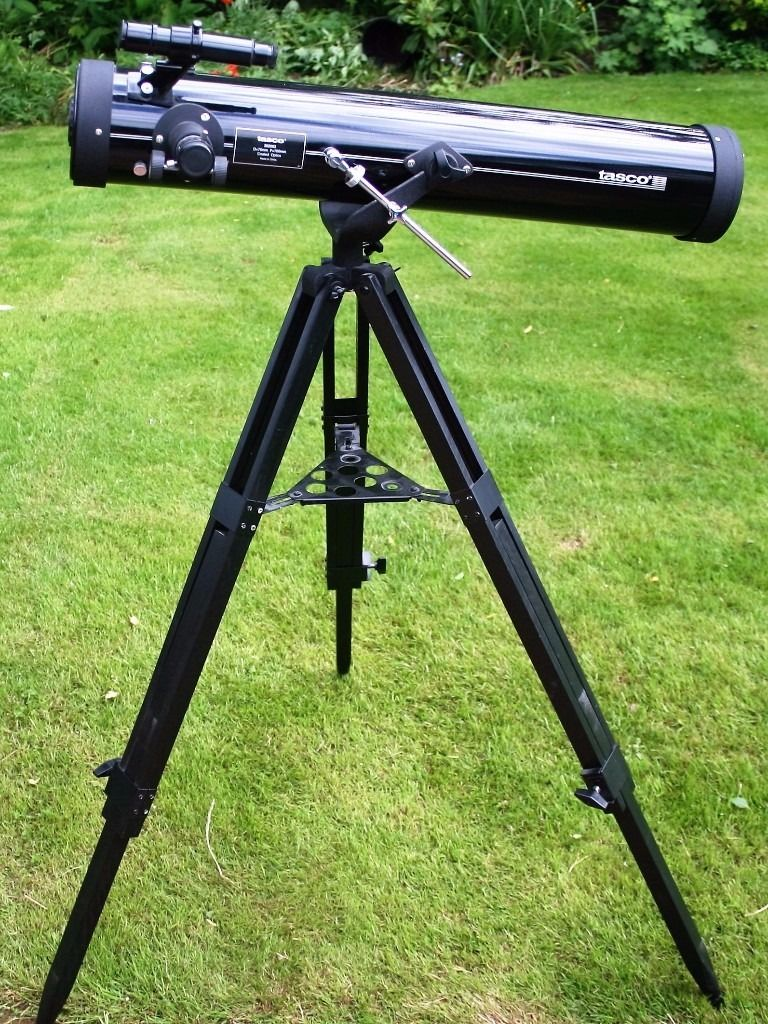 Tasco 302003 280 x 76mm Astronomical Reflector Telescope with accessories