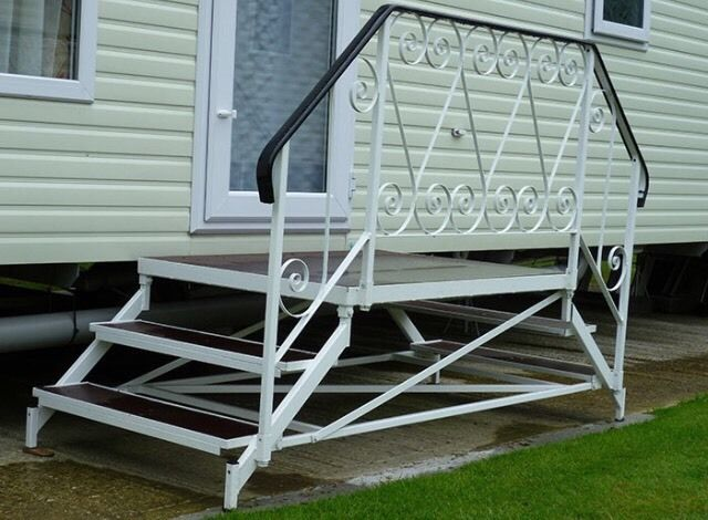 Wanted, caravan steps