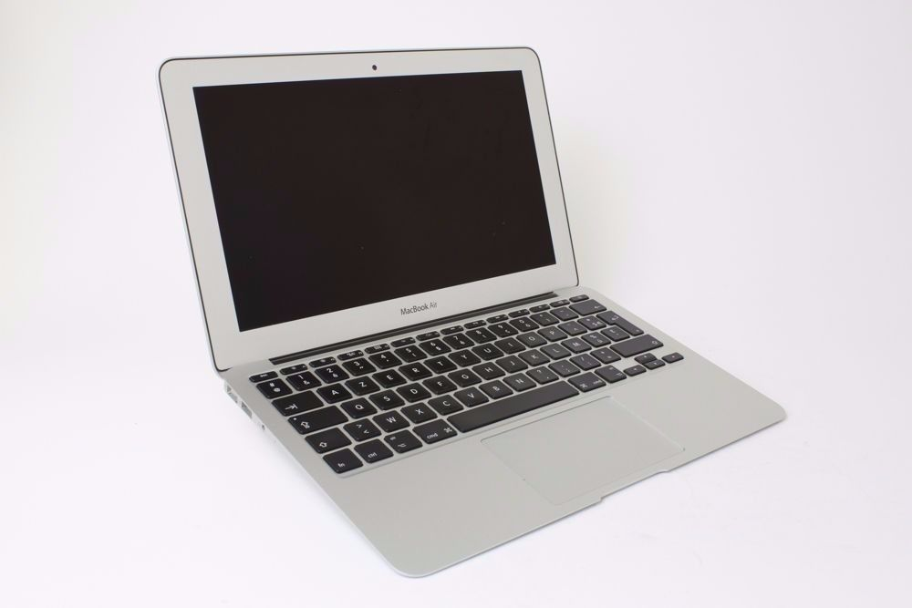 "Apple MacBook Air 11"" 1.6GHz i5 128GB SSD 4Gb DDR3 - French keyboard (brand new battery)"