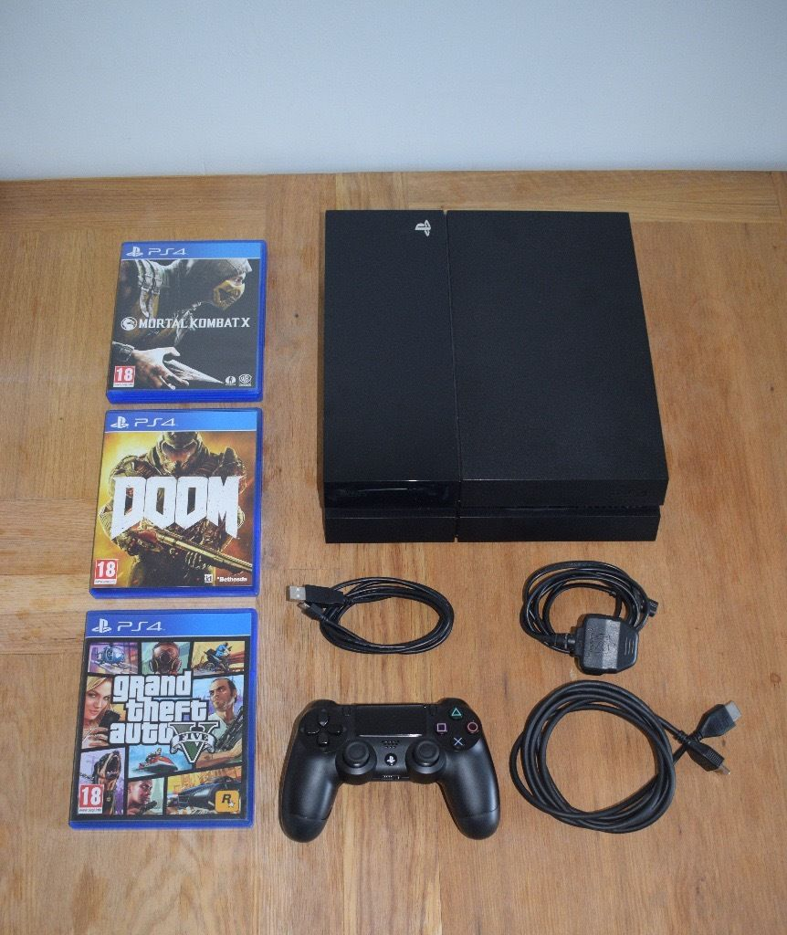 Playstation 4 Used Excellent Condition with Games