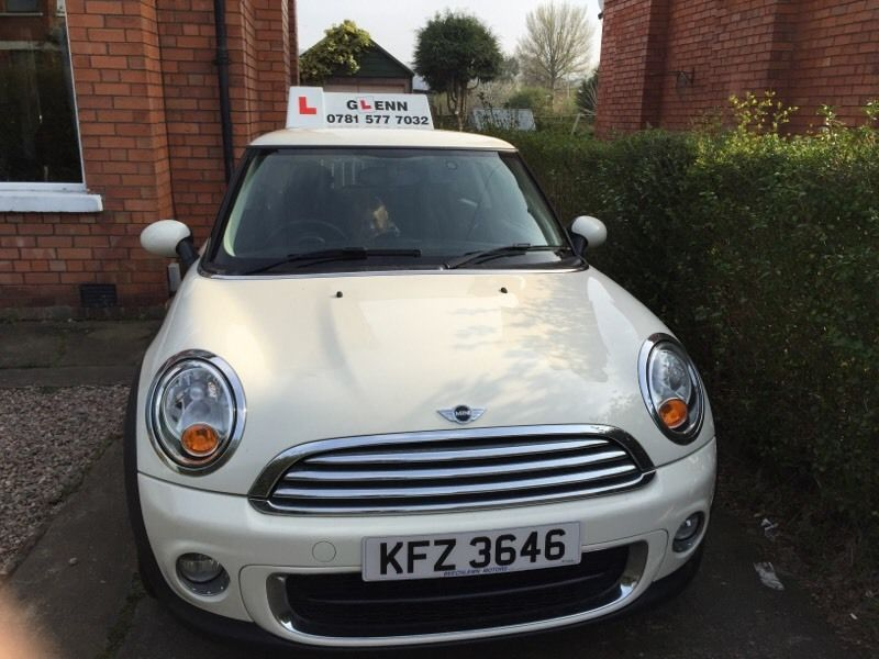 Driving Lessons in a Mini - Summer offers now available