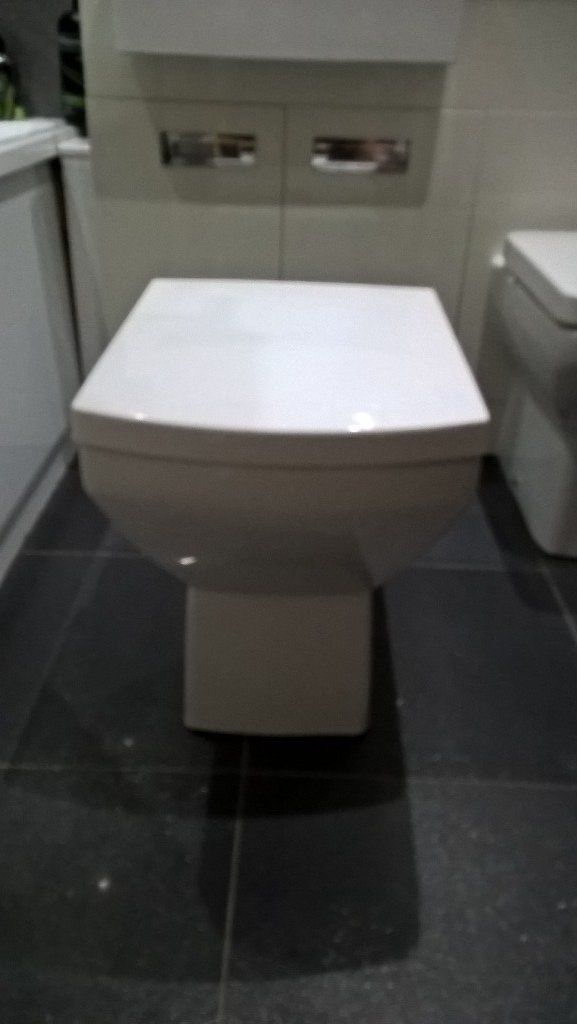 Tabor back to wall toilet soft closing seat