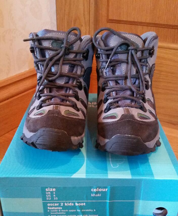 KIDS WALKING/ HIKING BOOTS
