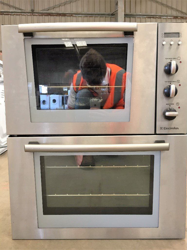 Electrolux built in oven EOU6330X