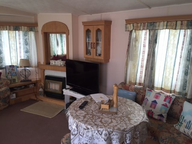 CAMBER SANDS 3 BEDROOMED PRIVATELY OWNED CARAVAN DATES AVAILABLE THROUGHOUT THE SUMMER GREAT VALUE