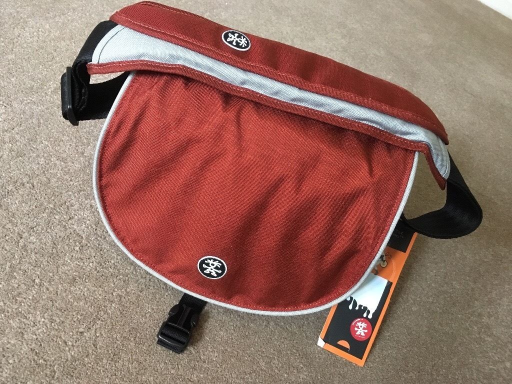 Crumpler Camera Bag - New Delhi 230 Rust Red/Silver