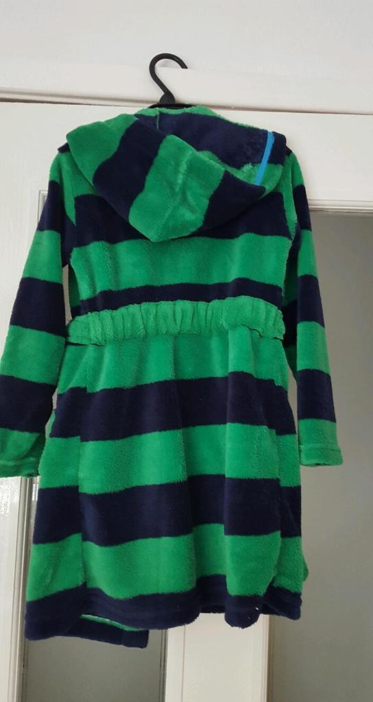 Immaculate Jake & Netherlands pirate dressing gown - immaculate- age 3/4