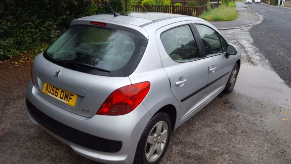 Peugeot 207 1.4 cc 5 door mot runs well nice car px
