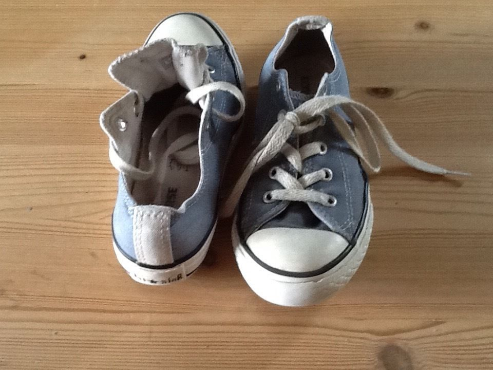 Childrens Converse trainers size UK size 1