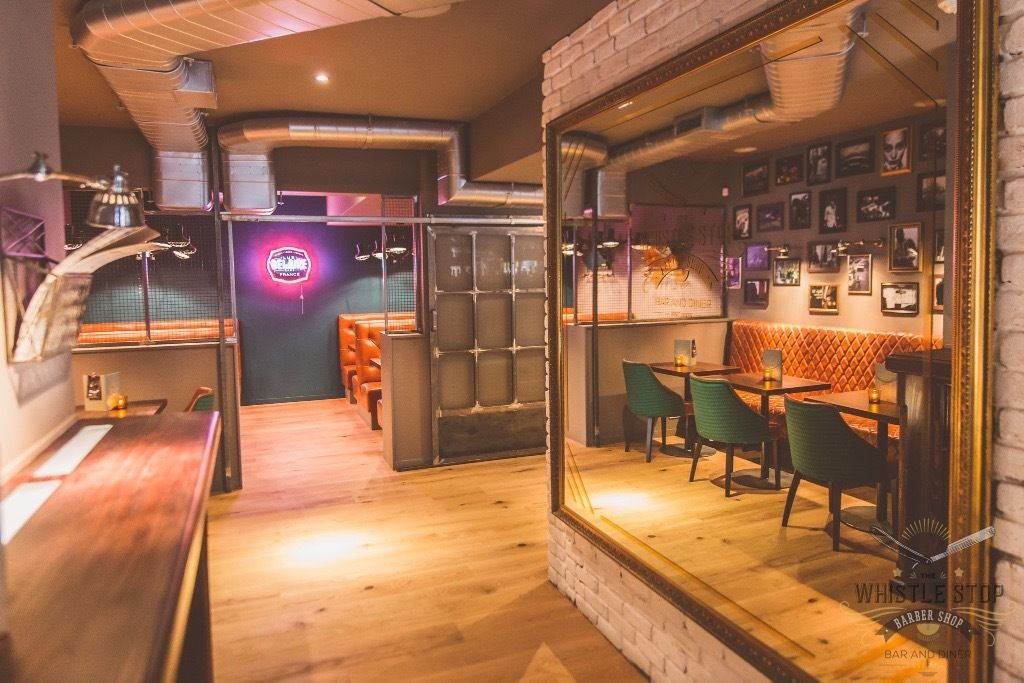 Full Time Bar and Floor Staff Required!