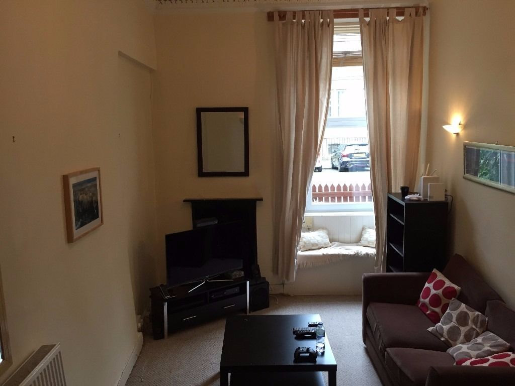 Large Double Room in Leith - All bills included