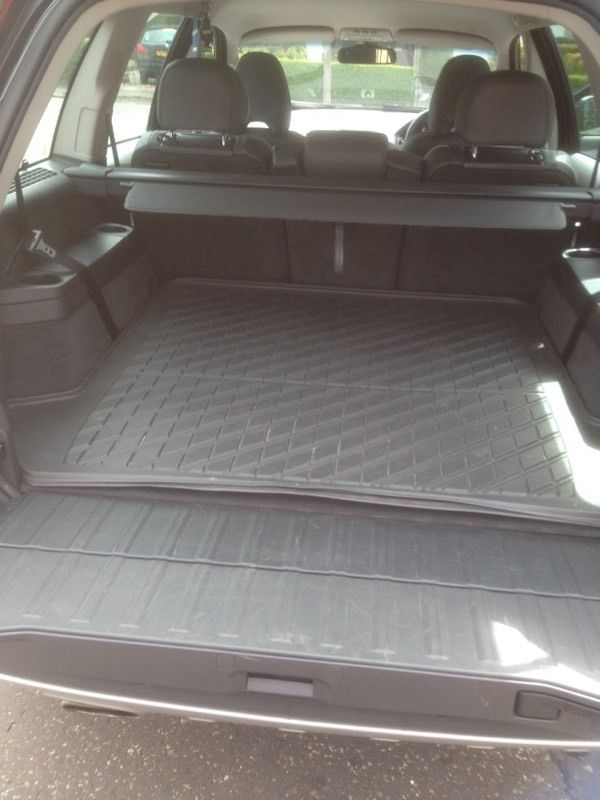 Volvo XC90 rubber boot mat
