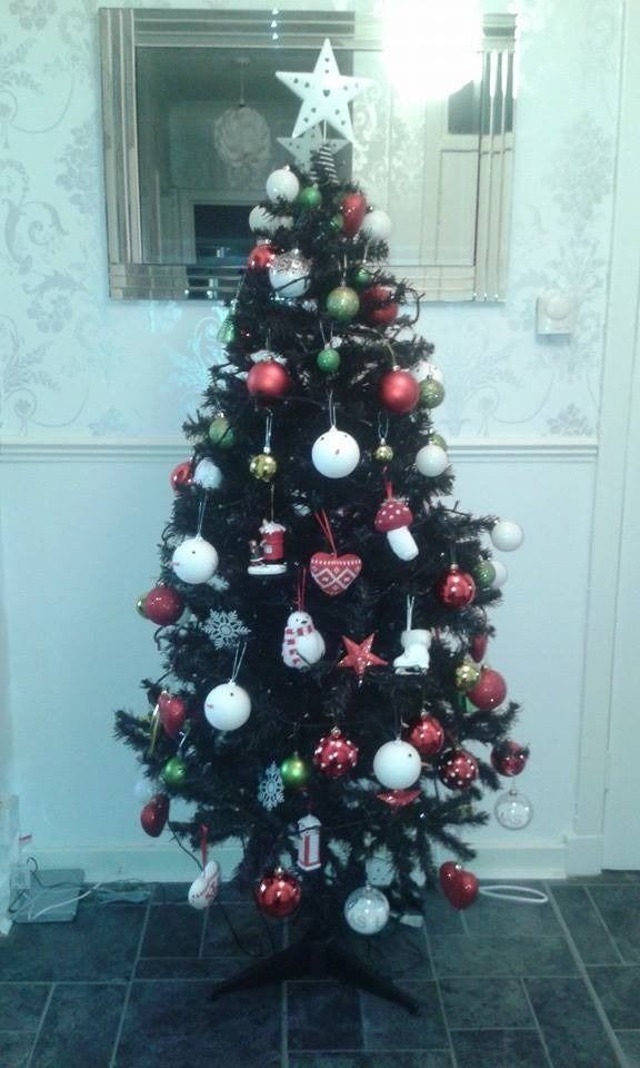 5 FT CHRISTMAS TREE BLACK