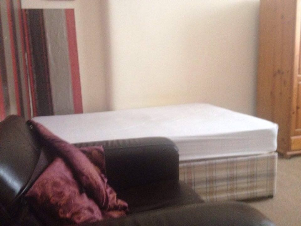 Double room in Cessnock/Ibrox for rent