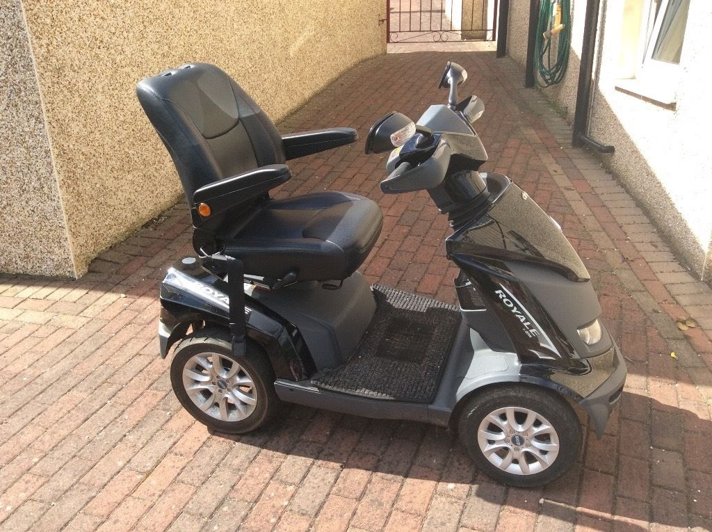 Drive Royale 4 Mobility Scooter - just one year old on 11th June 2016 - Plus Charger