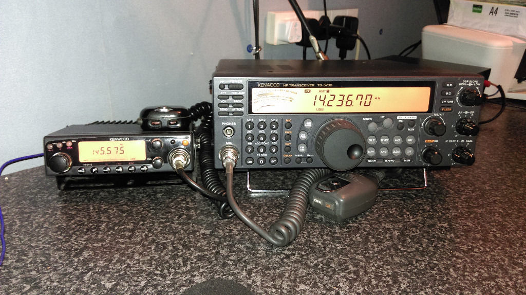 Kenwood TS 570 D G Full HF radio 0-30 Mhz transmit.